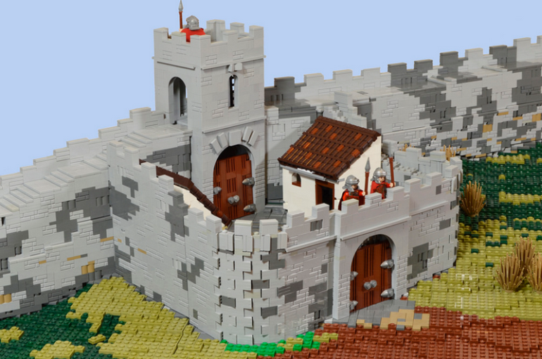 British Enthusiasts Recreate The Roman Empire Using LEGO!-2