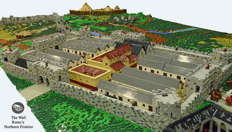 British Enthusiasts Recreate The Roman Empire Using LEGO!-3