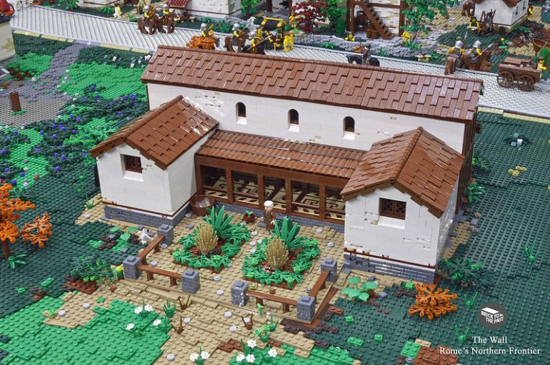 British Enthusiasts Recreate The Roman Empire Using LEGO!-4