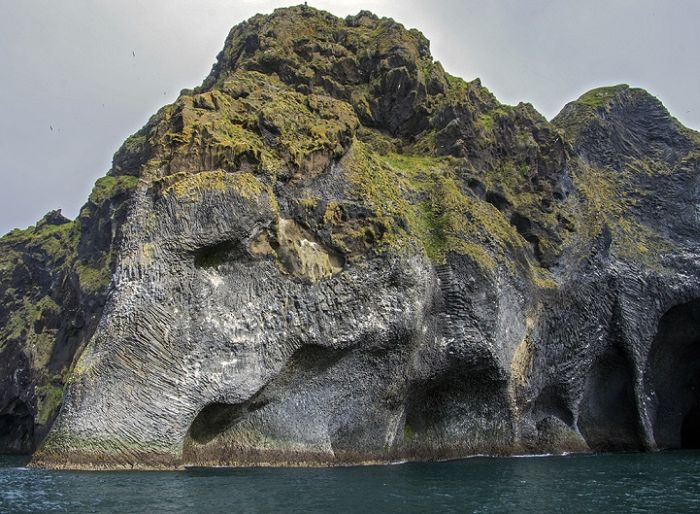 Iceland_Natural_Rock_Resembles_Elephant_2