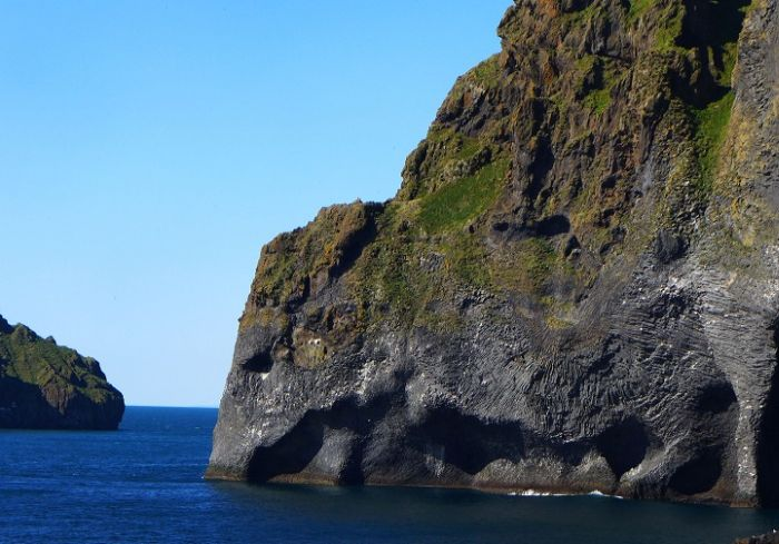 Iceland_Natural_Rock_Resembles_Elephant_3
