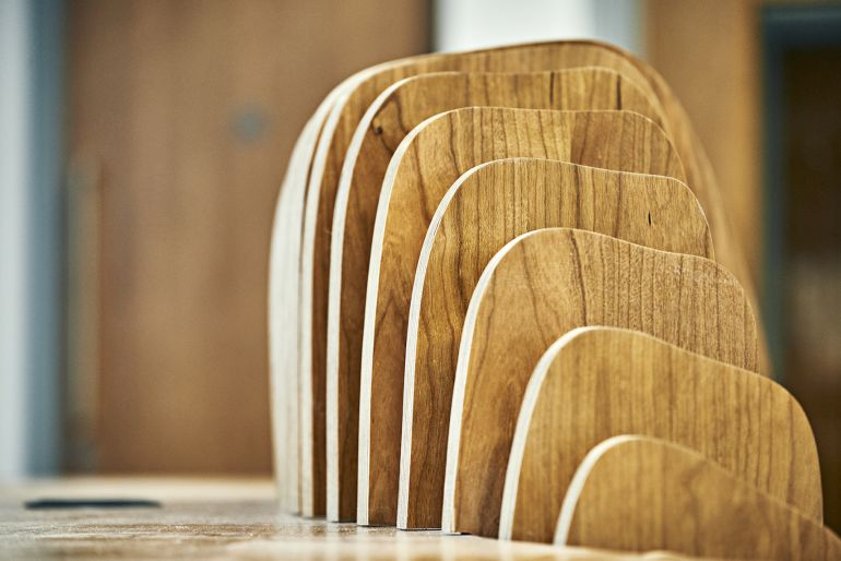 This stunning plywood sculpture mimics the movements of six dancers!-8