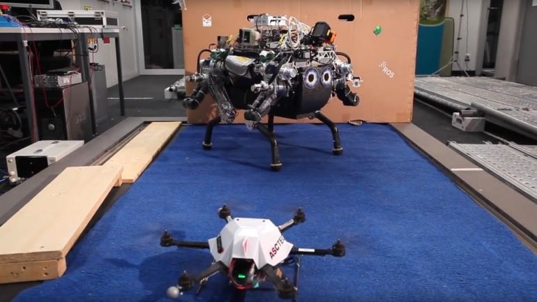 Walking Robot Relies On Drone For Navigation Suppport-4