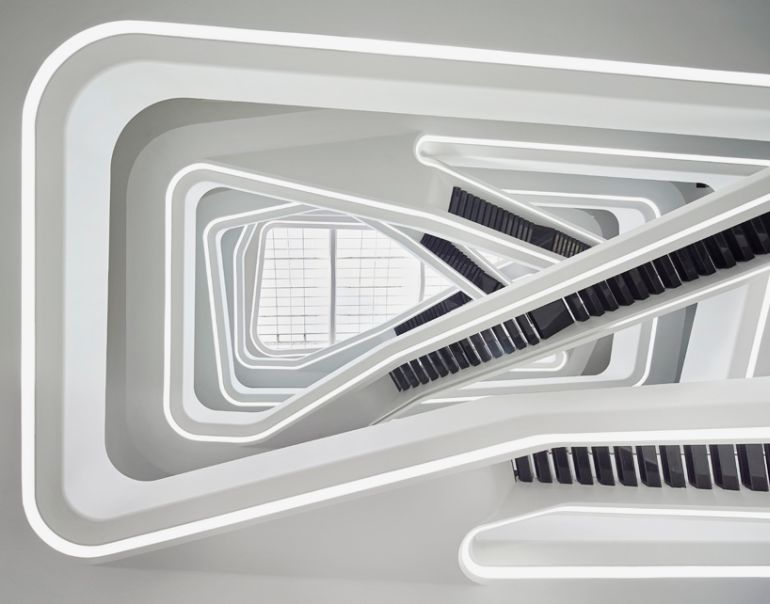 Zaha_Hadid_Dominion_Office_Building_Neo-Futurism_7