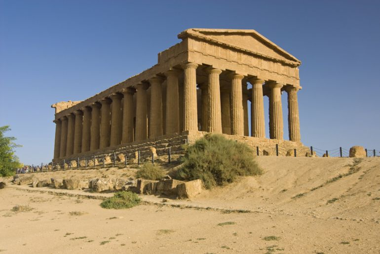 2,500-Year-Old Greek Temple Was Built To Face Full Moon-3