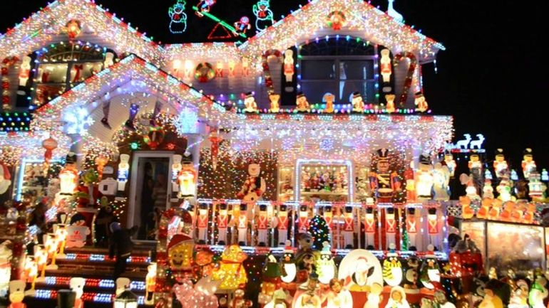 Christmas Lights In The US Consume More Energy Than Entire Nations-1