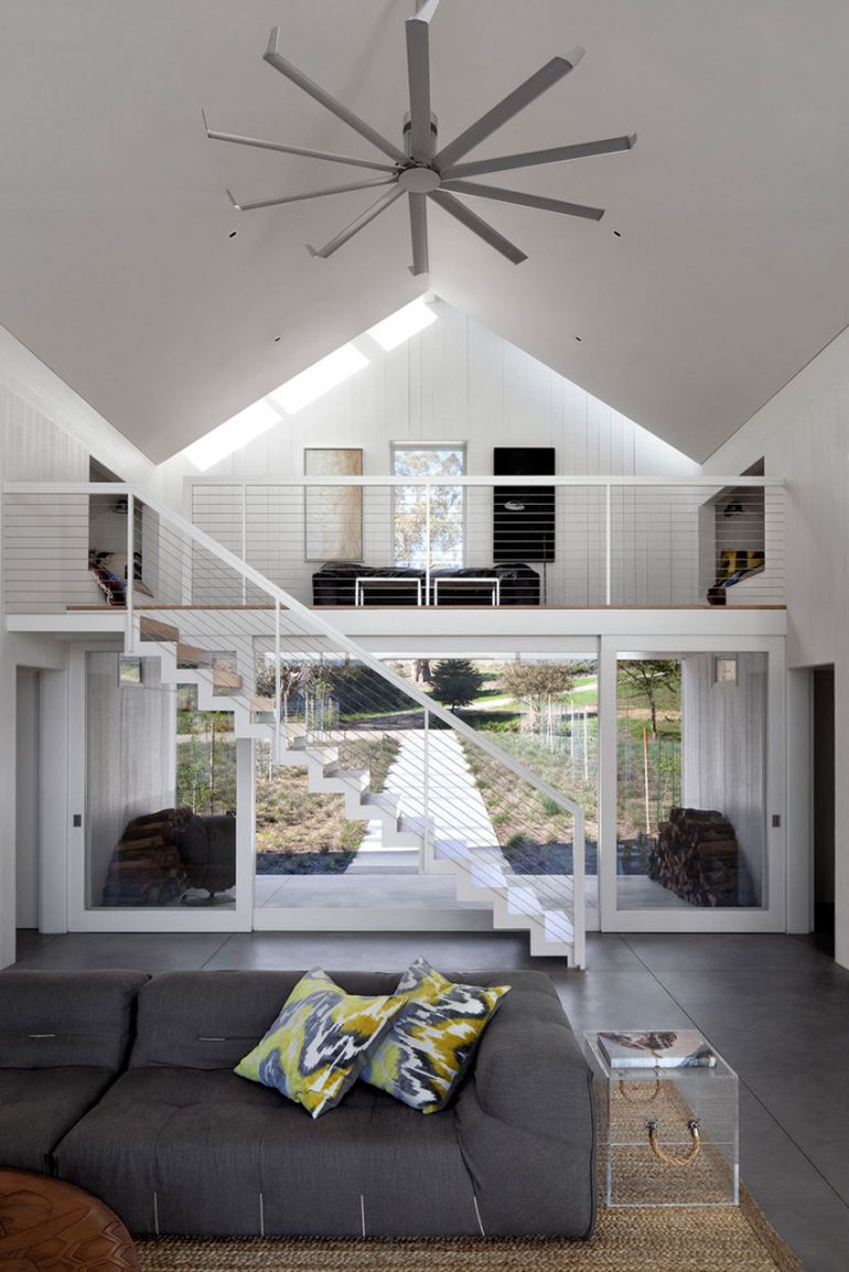 Modernist Barn House Boasts Amazing Eco-Friendly Features-5