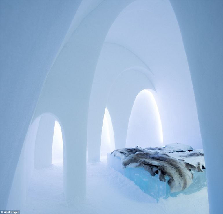The Stunning Icehotel In Swedish Lapland Opens Doors To Guests-10