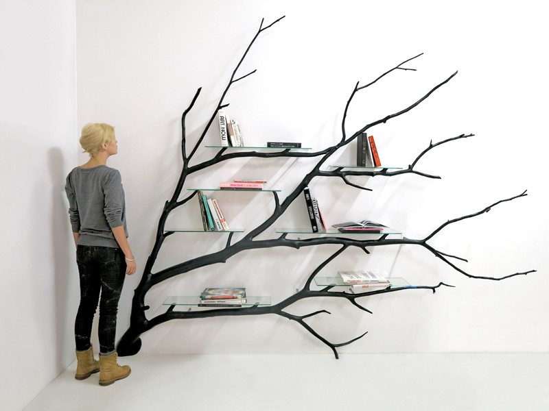 Bilbao_Bookshelf_Created_From_Fallen_Tree_Branch_1