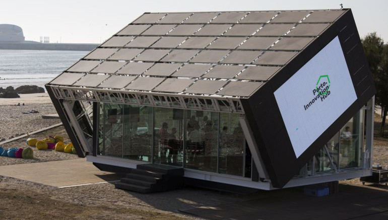 These rotating homes follow the sun for increased energy production - Rotating homes follow sun ...