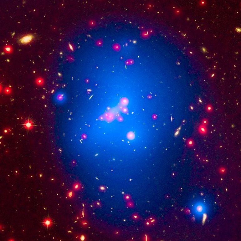NASA Calculates Weight Of Ginormous Young Galaxy Cluster-1