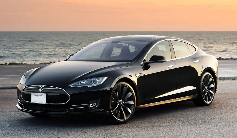 New Tesla Software Update Enables Self-Parking By Cars-2