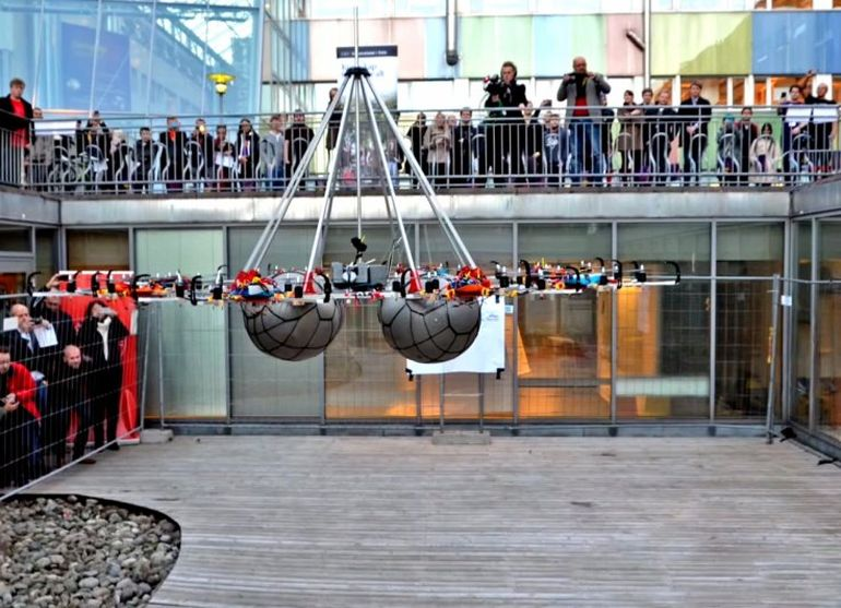 Students Build Megakopter That Lifts 61 Kg To Set New World Record-1
