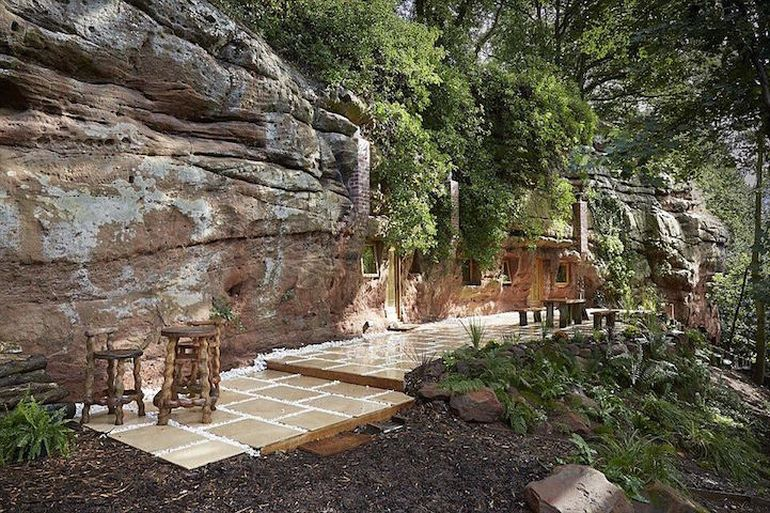 UK's Rockhouse Retreat Is Housed Inside A 700-Year-Old Cave-2