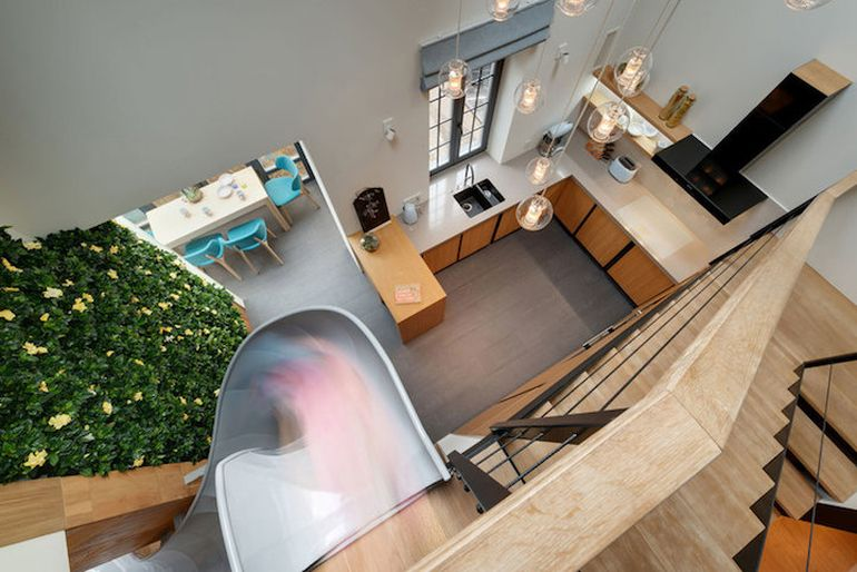 Fun-Loving Home Owners Install Slide In The Middle Of The Living Room-5