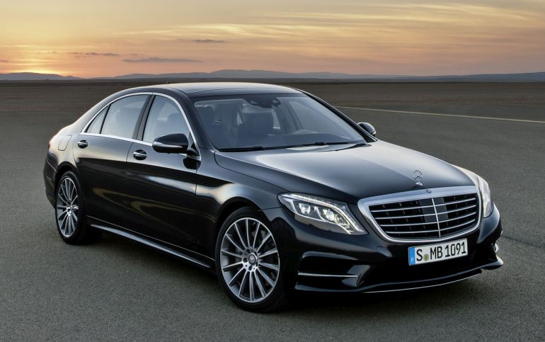 Humans-will-soon-replace-robots-on-Mercedes-Benzs-production-line-1