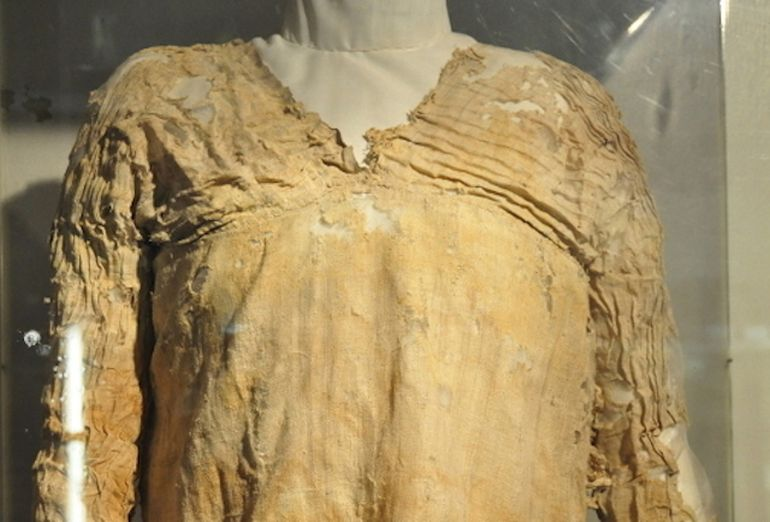 The Oldest Surviving Dress Was Made Some 5 000 Years Ago