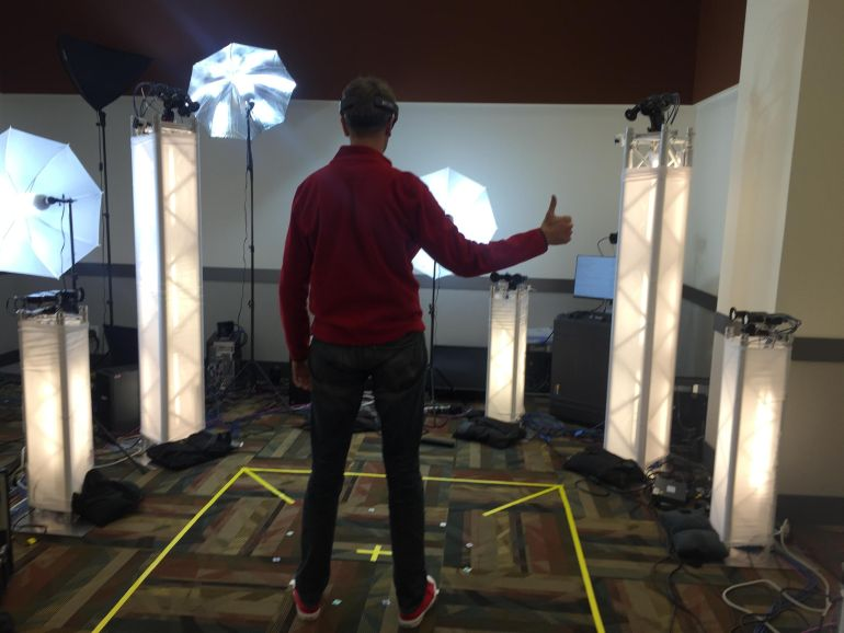 Microsoft's Holoportation Allows Real-Time Interaction in VR-3