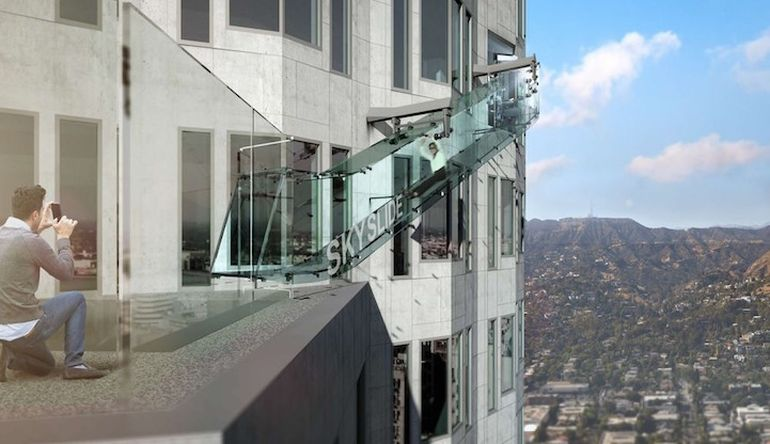 This Stunning Glass-Bottomed Slide Hangs About 1000 Feet Above LA-2