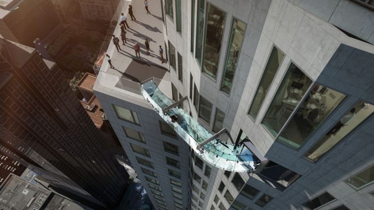 This Stunning Glass-Bottomed Slide Hangs About 1000 Feet Above LA-3