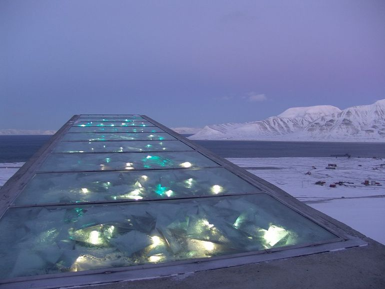 Norway's Irradiant Mountain Vault Preserves Over 850,000 Seeds-14