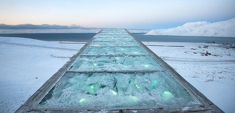 Norway's Irradiant Mountain Vault Preserves Over 850,000 Seeds-3