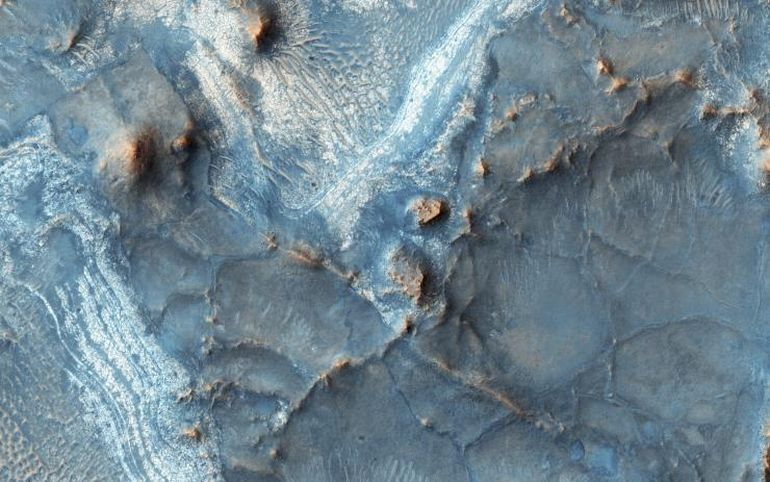 Giant Tsunamis Flooded Mars' Surface Some 3.4 Billion Years Ago-3