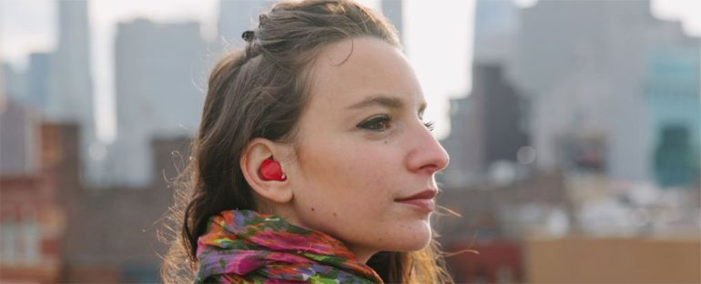 Nifty Earpiece Can Translate Virtually Any language In Real-Time-1