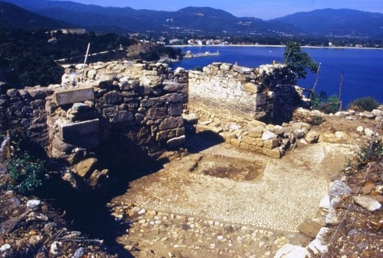 Researchers Might Have Discovered Aristotle's Tomb In Macedonia-6