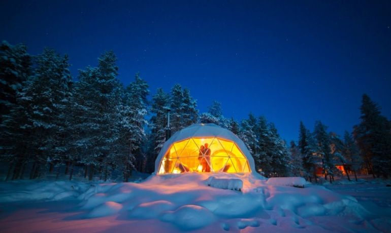 Stunning Geodesic Cabins OfferEnchanting Views of Northern Lights-4