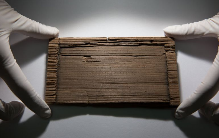 Archaeologists Find 2000-Year-Old Handwritten Documents In London-3