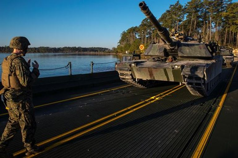This Foldable Bridge Allows The Army To Get Tanks Across Rivers-4