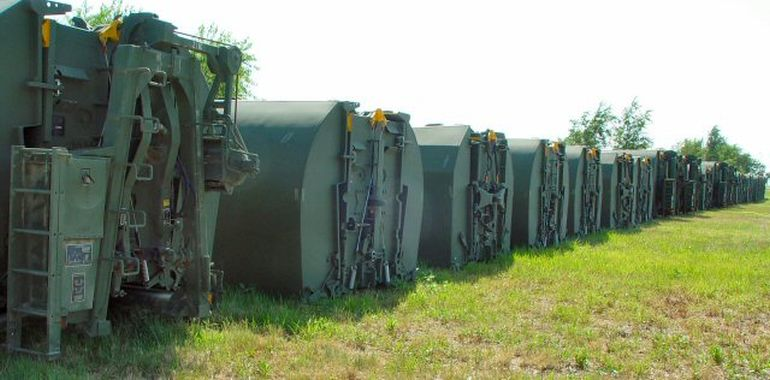This Foldable Bridge Allows The Army To Get Tanks Across Rivers-5