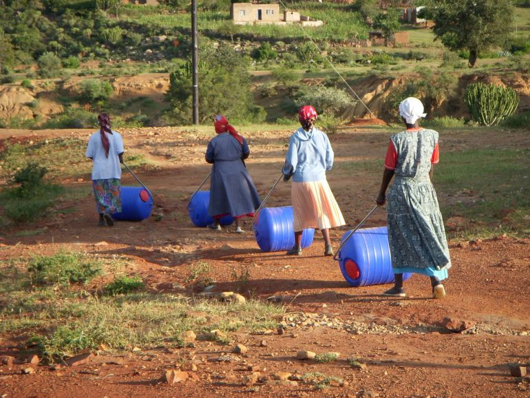 Hippo Rollers Make Clean Water More Accessible In Rural Africa-2