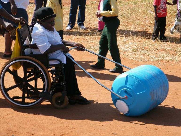 Hippo Rollers Make Clean Water More Accessible In Rural Africa-4