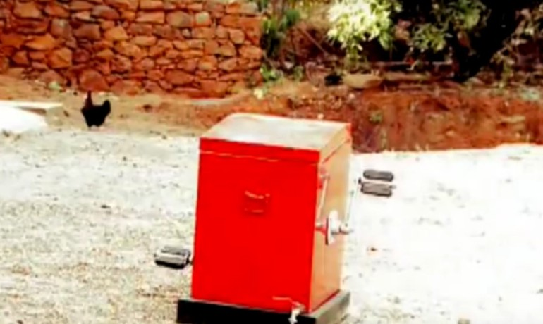 Indian Teenager designs Innovative Human-Powered Washing Machine-4