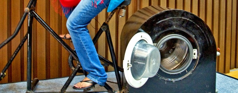 Indian Teenager designs Innovative Human-Powered Washing Machine-6