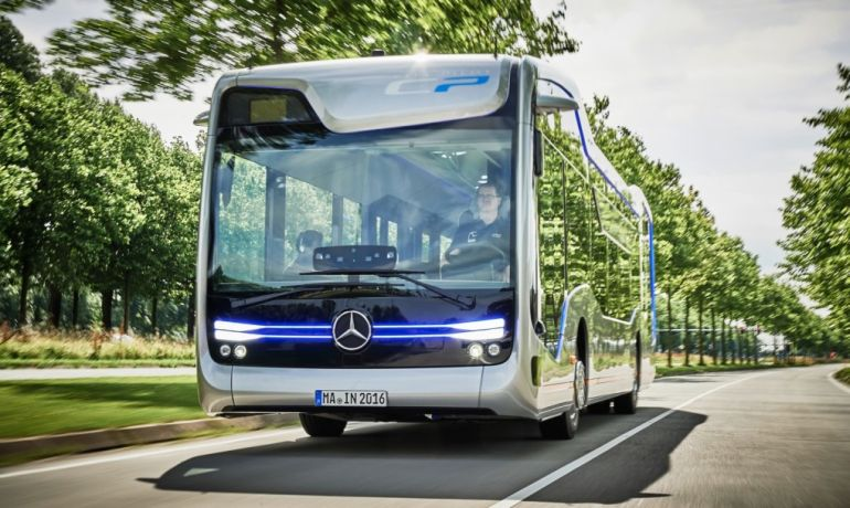 Mercedes-Benzs-Self-Driving-Future-Bus-Covers-Its-First-20-KM-4
