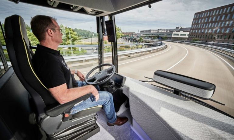 Mercedes-Benz's Self-Driving Future Bus Covers Its First 20 KM-6