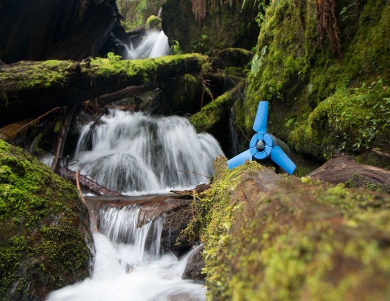 Estream A Hydro Power-Driven Generator For Off-The-Grid Travelers-3