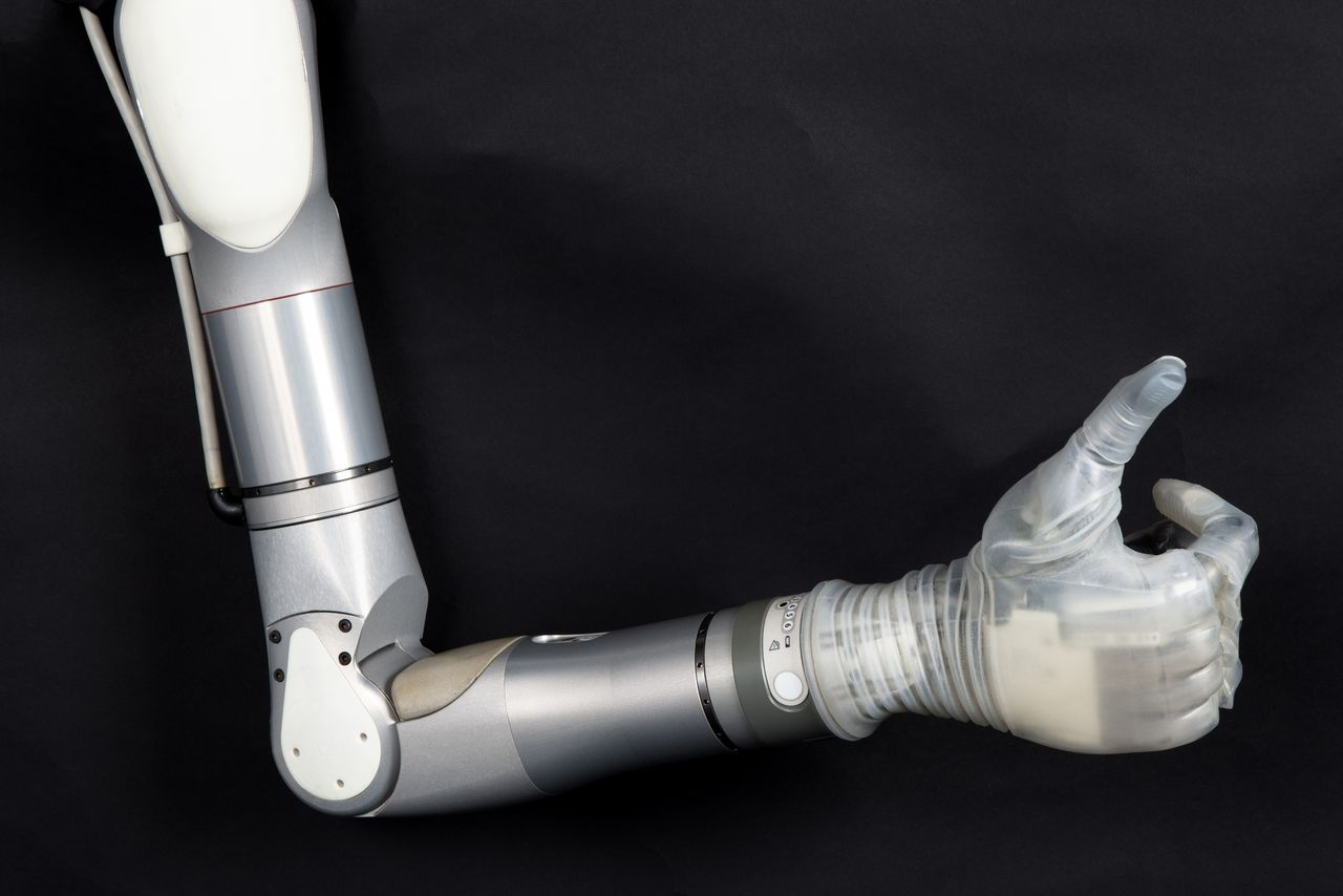 LUKE World's Most Futuristic Mind-Controlled Prosthetic Arm-3