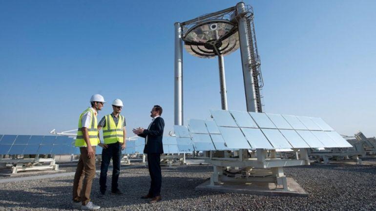 Scientists In Abu Dhabi Are Using Sand To Store Solar Energy-3