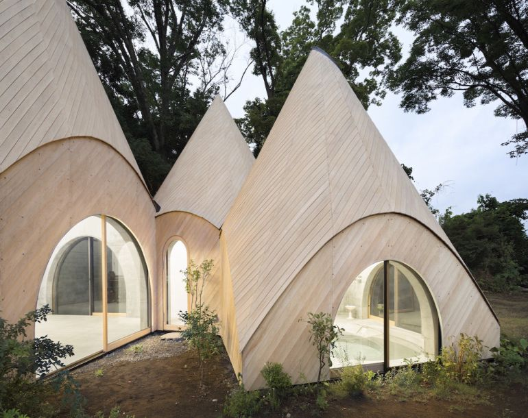 these-striking-teepee-shaped-huts-in-japan-offer-care-to-the-elderly-11