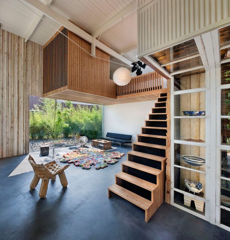 architect-upcycles-1895-coach-house-using-materials-from-1950s-office-2