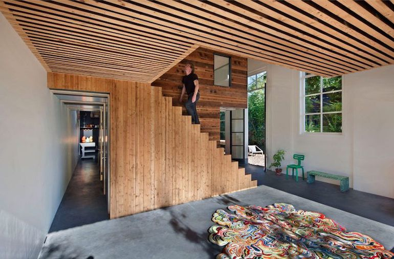 architect-upcycles-1895-coach-house-using-materials-from-1950s-office-4