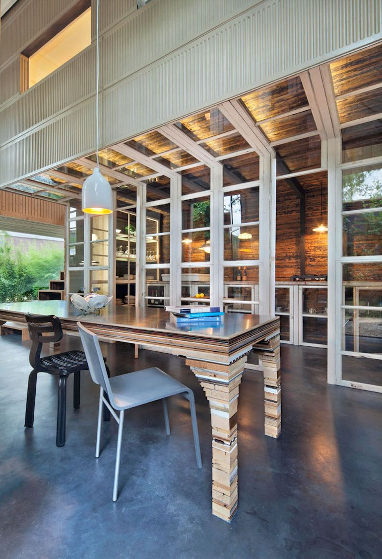 architect-upcycles-1895-coach-house-using-materials-from-1950s-office-6