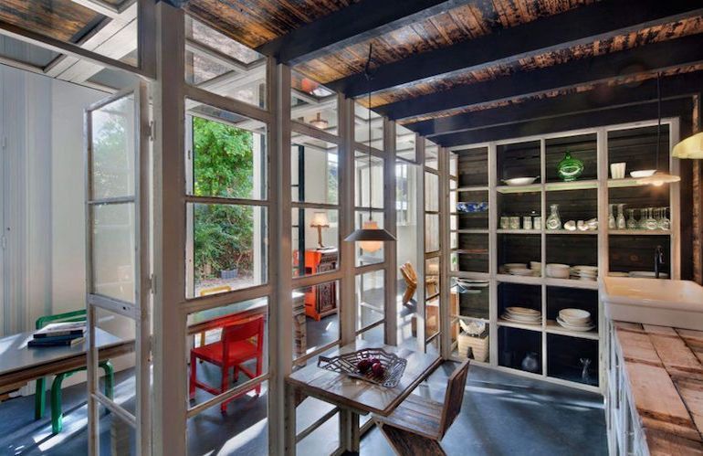 architect-upcycles-1895-coach-house-using-materials-from-1950s-office-7