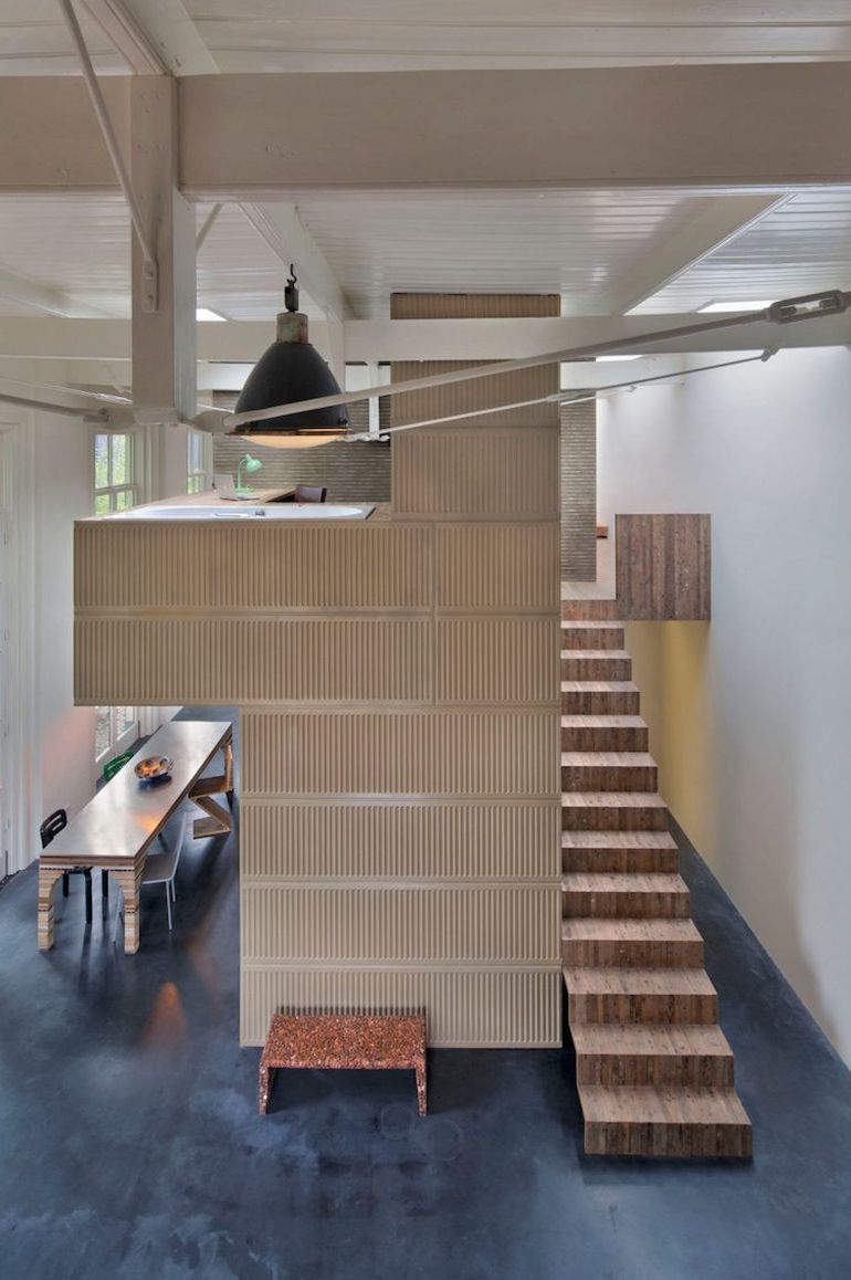 architect-upcycles-1895-coach-house-using-materials-from-1950s-office-9