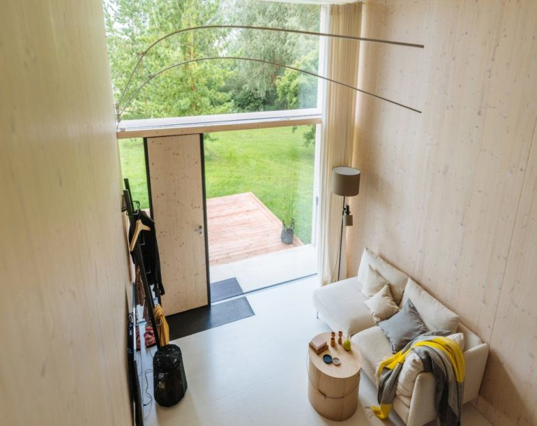 koda-a-stunning-solar-powered-tiny-house-that-can-move-around-6