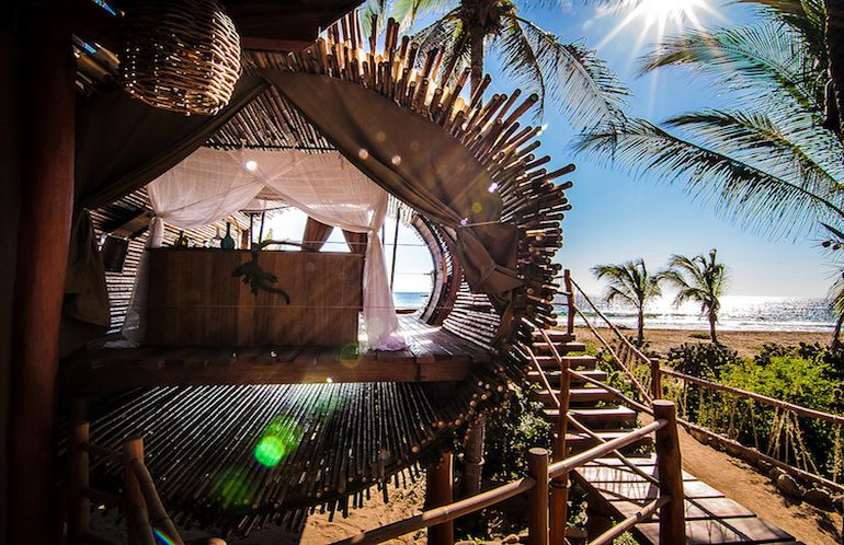 stunning-cylindrical-treehouse-in-mexico-runs-on-solar-power-3